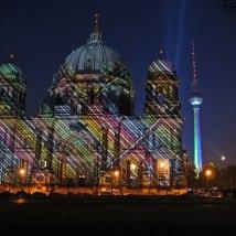 Berliner Dom mit Fersehturm Foto miberl
